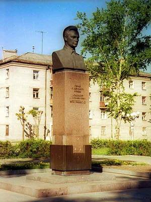 Именем Молодцова названы: улицы в Москве, Одессе, Рязани, Туле, Донском, Кратово, проспект в Сасово...