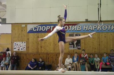 Омская гимнастка завоевала бронзу натурнире вПензе