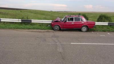 Близ Милославского ВАЗ-2106 «догнал» иномарку, пострадали 5 человек