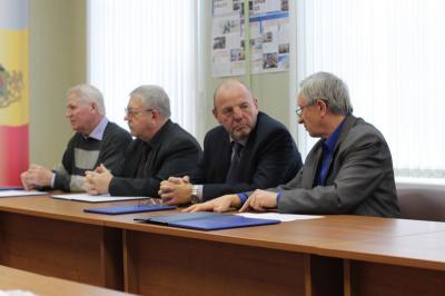 ЦИК Российской Федерации порекомендовал кандидатуры Моторина иКруглова врегиональный избирком