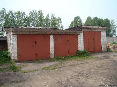 Двухэтажные деревянные гаражи
