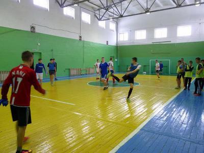 Спортсмены центра спорта приняли участие вокружных соревнованиях помини-футболу