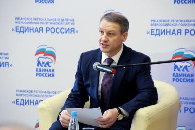 Специалист Калачев позитивно оценил перспективы законодательного проекта, повышающего статус депутатов