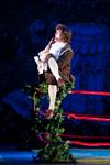 Свежая струя Рязанский театр драмы встретил зрителей неслыханным - боксёрским рингом на сцене большого зала.