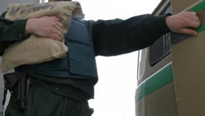 ВРязани шофёр инкассаторской машины похитил практически 1 млн руб.