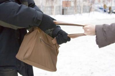 Наулице Новоселов 18-летний рязанец ограбил пенсионерку