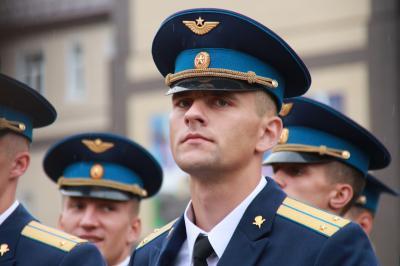 7500bde634d5 ... имени генерала армии Василия Маргелова состоялся 133-й офицерский выпуск.  Ряды офицеров Российской Федерации пополнили более 350 выпускников РВВДКУ.
