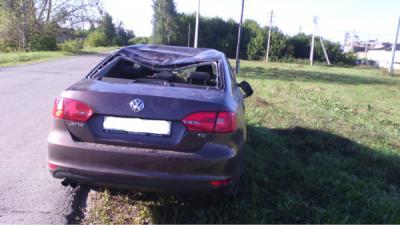 Нетрезвый шиловец опрокинул иномарку вкювет, пострадала пассажирка