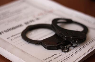 Врабочем поселке Милославское полицейские задержали правонарушителя, пытавшегося отобрать уженщин сумочки