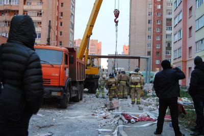 Cотрудники экстренных служб продолжат разгребать завалы наместе взрыва газа вРязани
