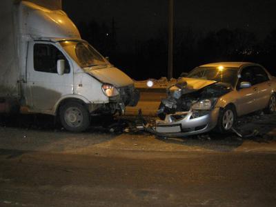 ВРязани столкнулись иностранная машина и грузовой автомобиль, имеется пострадавший